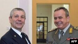 Predsedavajući Vojnog komiteta NATO, italijanski admiral Djanpaolo Di Paola i načelnik Generalštaba Vojske Srbije, general Miloje Miletić.