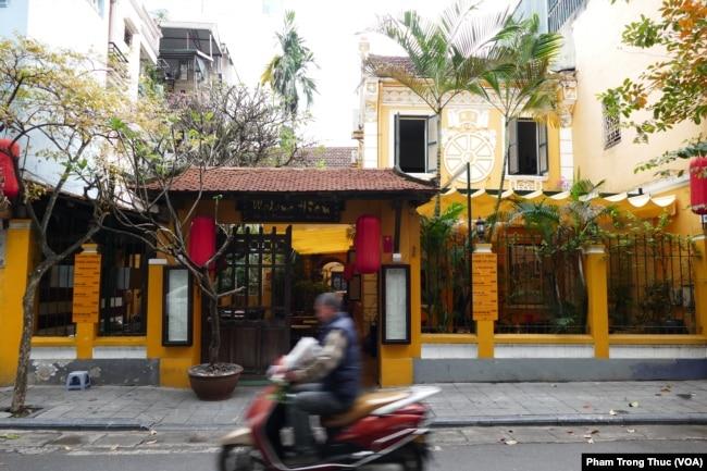 Nhà hàng Madam Hiền trên phố Chân Cầm, Hà Nội