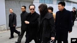중국의 우다웨이 외교부 한반도사무 특별대표(가운데)가 17일 평양에 도착했다.