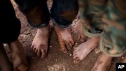 ພວກເດັກນ້ອຍຊາວຊິເຣຍ ທີ່ປະຕີນ ຮວມຕົວກັນ ໃນສູນ ໃກ້ໆກັບ Atma, ແຂວງ Idlib, Syria.