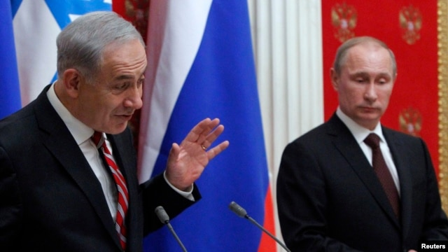 Russian President Vladimir Putin (R) and Israel's Prime Minister Benjamin Netanyahu take part in a joint news conference in Moscow, Nov. 20, 2013.