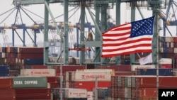 美国加利福尼亚州长滩港口装满中国进口商品的集装箱(2019年5月14日)