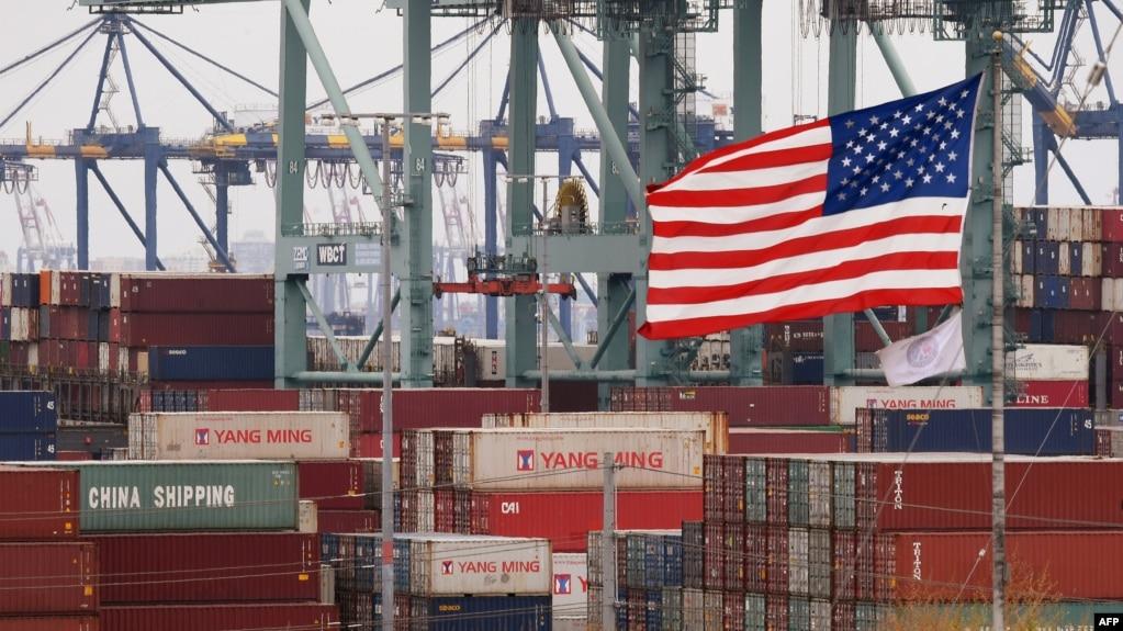 Các container hàng của Trung Quốc tại cảng Los Angeles ở Long Beach, California (ảnh tư liệu, 14/5/2019)