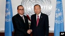 유엔총회 참석차 뉴욕을 방문한 리수용 북한 외무성 부상(왼쪽)이 지난 27일 반기문 유엔 사무총장과 면담했다.