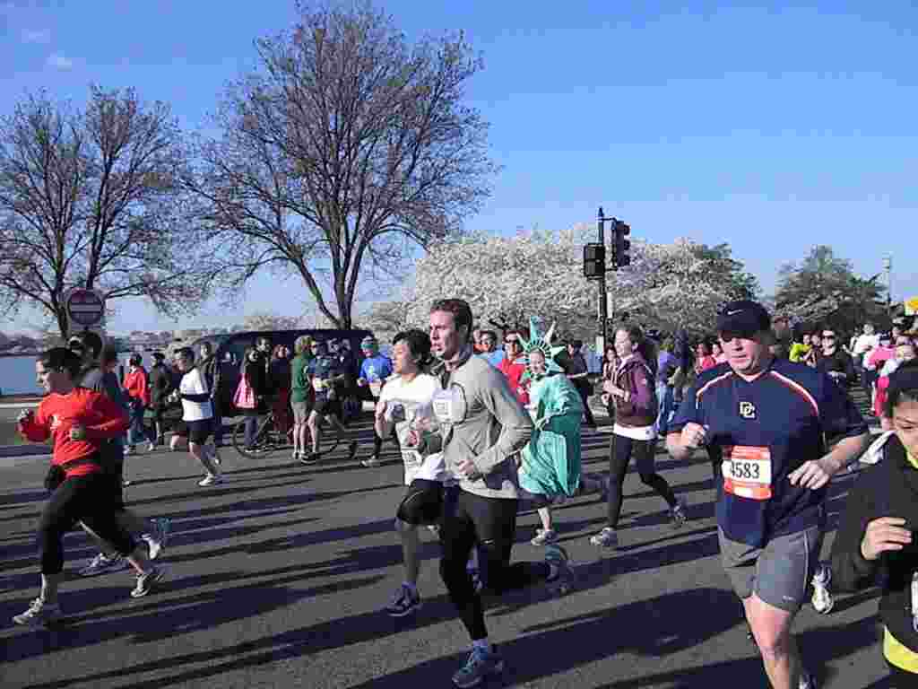 Corriendo las 10 millas del Festival de los Cerezos