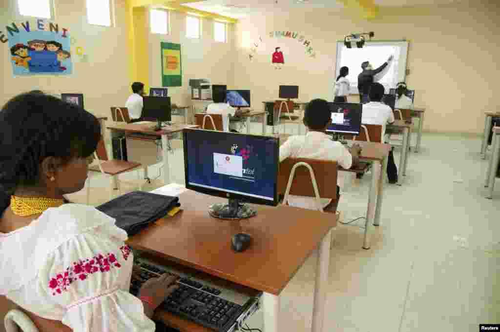 کمپیوٹر کی تعلیم بھی عام تعلیم کے ساتھ ساتھ ضروری ہوتی جا رہی ہے
