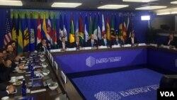 El vicepresidente de EE.UU., Joe Biden, es el anfitrión de la cumbre de líderes centroamericanos y del Caribe, en Washington. Foto: Gioconda Tapia, VOA.