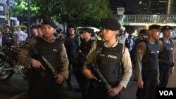 An ninh thắt chặt tại khu vực gần hiện trường, 12 giờ sau vụ đánh bom ở Jakarta, Indonesia, ngày 14/1/2016.