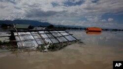2일 미얀마 북서부 칼라이 마을이 홍수로 침수되었다.