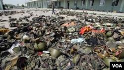 რუსი ოკუპანტების მიერ გაძარცვული სენაკის სამხედრო ბაზა. 2008 წლის აგვისტო