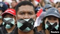 Para demonstran memprotes kekerasan terhadap penganut agama di Indonesia. (Foto: Dok)
