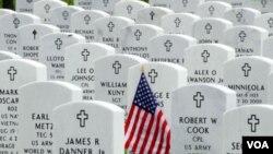 El 30 de mayo los estadounidenses rinden homenaje a los miles de soldados que han muerto en cualquiera de todas las guerras en las que EE.UU. ha estado involucrado.