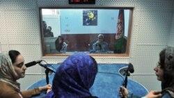 افغانستان میں حالیہ عرصے میں خواتین صحافیوں پر حملے بھی ہوتے رہے ہیں۔ (فائل فوٹو)