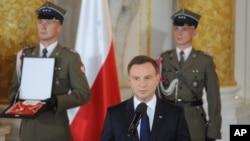 안제이 두다 폴란드 신임 대통령이 6일 취임식에서 연설하고 있다.