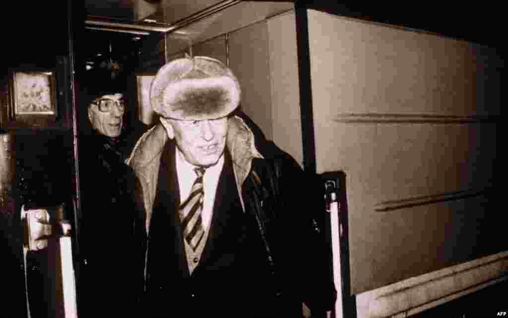 Прибытие Андрея Сахарова в Москву, 1986г.
