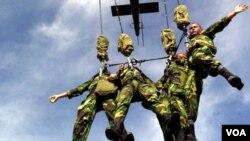 Fuerzas especiales humanitarias de El Salvador continuarán su misión en Afganistán hasta finales de 2012.