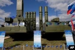 Hệ thống phòng không S-300 Nga sẽ bán cho Iran.