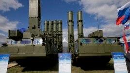 Rusia heq embargon e armëve ndaj Iranit