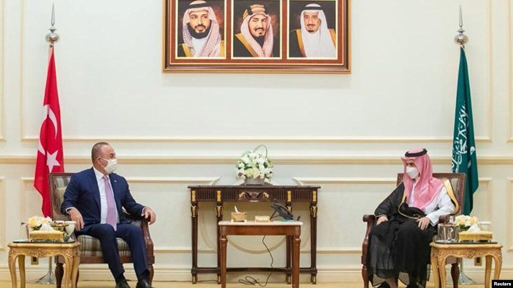 Mevlut Cavusoglu iyo Faisal bin Farhan Al-Saud