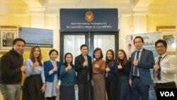 คณะเจ้าหน้าที่ สนง.ฝ่ายกงสุล สถานเอกอัครราชทูต ณ กรุงวอชิงตันเตรียมพร้อมบริการรับลงทะเบียนเลือกตั้งให้ชาวไทยในอเมริกา