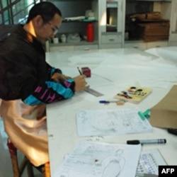 林米秋培训大陆员工担任服装设计助理
