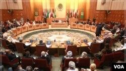 Pertemuan para Menteri Luar Negeri Liga Arab membahas masalah Suriah di Kairo (12/11). Suriah memberi tahu Liga Arab akan mengizinkan pemantau dengan beberapa syarat.