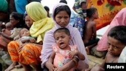 بیش از ۵۸۰ هزار نفر از اقلیت مسلمان ساکن راخین تاکنون به بنگلادش گریختهاند