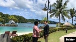 美国国防部长埃斯珀在他的推特上发布2020年8月28日访问帕劳的照片