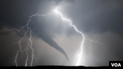 Learn about tornadoes and improve your English!