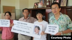 Gia đình anh Trần Huỳnh Duy Thức.
