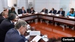 Se espera que el 'No' y las Farc, estén dispuestos a sumarse a un esfuerzo de negociación, además de continuar con los diálogos. [Foto, Cortesía Presidencia de Colombia]