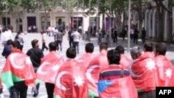 Azərbaycan gəncləri İranda insan hüquqlarının dözülməz olduğunu deyir