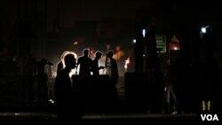 Demonstran anti-pemerintah di desa Malkiya, Bahrain, bulan Oktober lalu,