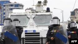 Plagoset një pjesëtar i EULEX në përleshjet mes shqiptarëve dhe serbëve në Mitrovicë