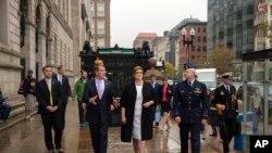 美国国防部长卡特(左二)2015年10月13日同澳大利亚国防部长(左三)在波士顿会晤