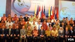 Peserta Jaringan Kerjasama Perlindungan Saksi dan Korban Kejahatan ASEAN di Yogyakarta (24/8). (VOA/Munarsih Sahana)