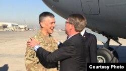 美国国防部长卡特星期天抵达巴格达(2016年12月11日)