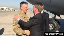 Menhan AS Ash Carter tiba di Baghdad, Irak, 11 Desember 2016.
