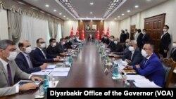 4 Eylül 2020 - Sağlık Bakanı Fahrettin Koca liderliğinde Diyarbakır'da düzenlenen Corona salgını toplantısı