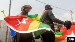 Des Togolaises protestent contre le pouvoir dans les rues de Lomé, au Togo, le 20 janvier 2018.
