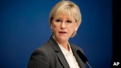Menlu Swedia Margot Wallstrom memberikan keterangan pers setelah mengumumkan bahwa Swedia secara resmi mengakui negara Palestina di Stockholm, Kamis (30/10).