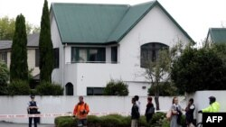 Police cordon off the area in front of the Masjid al Noor mosque after a shooting incident in Christchurch on March 15, 2019.