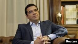Grčki premijer Aleksis Cipras u kancelariji predsednika Prokopisa Pavlopuljosa kome je uručio ostavku 20. avghusta 2015.