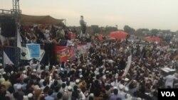 جلسے میں شرکت کے لیے قبائلی علاقہ جات سے بھی قافلے پشاور پہنچے تھے