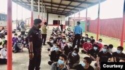 မေလးရွားႏိုင္ငံအတြင္းရွိ တရားမ၀င္အလုပ္သမားမ်ား (ဓါတ္ပံု- Malaysia immigration )