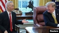 美國總統特朗普在白宮橢圓形辦公室會見中國副總理劉鶴 (2019年4月4日)