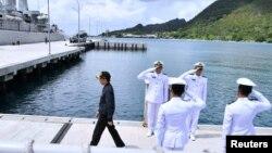 維多多星期三曾前往納土納島視察,強調印尼對該群島及其附近海域的主權。
