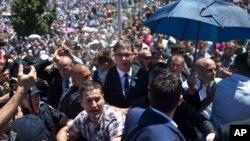 Premijer Srbije tokom incidenta u Potočarima