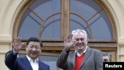 Xi Jinping et son homologue tcheque Milos Zeman, Prague, 28 mars 2016