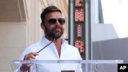 Tras el huracán María, que azotó a Puerto Rico en septiembre, la fundación de Ricky Martin envió aviones con suministros de primera necesidad para los habitantes de la isla.